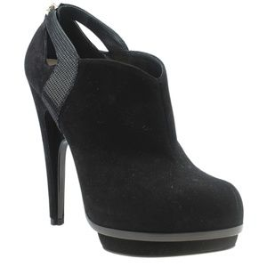 Fendi Black Suede Ankle Bootsx Size 39 182367